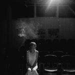 """Obraz do wpisu: """"Przesypywanie. Requiem dla Różewicza"""". Spektakl grupy teatralnej O'Tinker's Bar.  #45"""