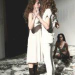 """Obraz do wpisu: """"Przesypywanie. Requiem dla Różewicza"""". Spektakl grupy teatralnej O'Tinker's Bar.  #19"""